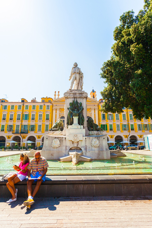 risorgimento: NICE, FRANCE - AUGUST 28, 2016: Giuseppe Garibaldi Monument on the square of the same name and Nice Chapelle du Saint-Sépulcre. France Editorial