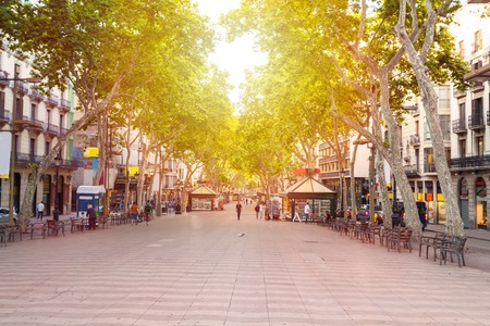 スペイン、バルセロナのランブラス通り