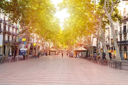 Via La Rambla a Barcellona, ??Spagna Archivio Fotografico - 73082097