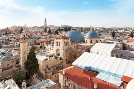Panoramic aerial view of the Temple of the Holy Sepulcher in the old city of Jerusalem, Christian quarter, Israel 免版税图像