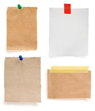 nota de papel: papel de la nota aislada en el fondo blanco Foto de archivo