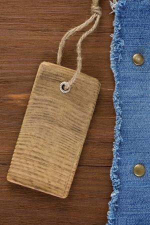 blauwe jean op houtstructuur achtergrond Stockfoto