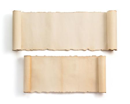 parchemin: parchemin isol� sur fond blanc