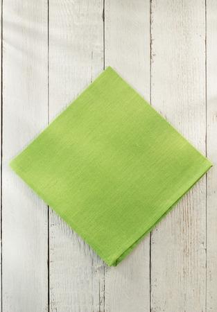 servilleta: servilleta de tela en el fondo de madera Foto de archivo
