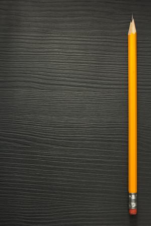 木製の質感イエロー ペンシル 写真素材
