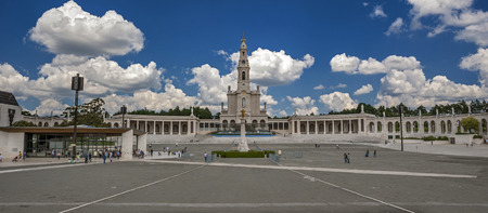 Portugal, Fatima - one of the centers of Christian pilgrimage due to the phenomenon of the Virgin Mary in 1917 . Basilica and the Chapel of the appearance.