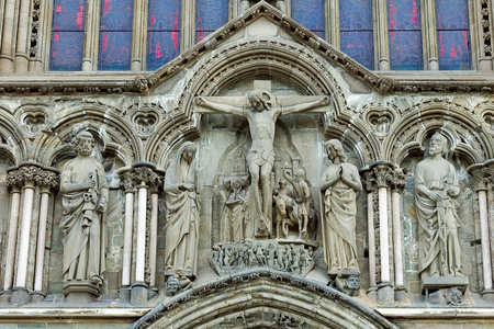 gargoyles: Norway, Trondheim. Cathedral of St. Olaf, sometimes called Nidaros Cathedral, was built with one thousand one hundred fortieth year more than three hundred years. The elements of the facades.