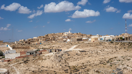 Matmata is a small Berber-speaking city in the south of Tunisia, the threshold of the Sahara desert. 版權商用圖片