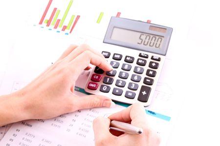 Main, Calculatrice et stylo