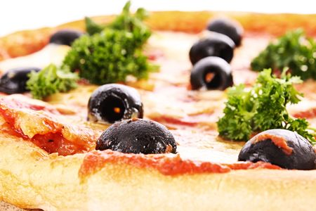 Pizza con aceitunas  Foto de archivo - 6580708