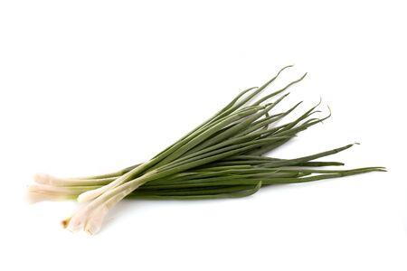 onion isolated: Cebolla verde aislado en blanco  Foto de archivo