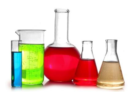 material de vidrio: Probetas aislados en blanco. Cristaler�a de laboratorio
