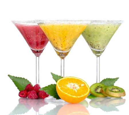 licuados de frutas: Batidos de deliciosas frutas y frutos aislados en blanco Foto de archivo