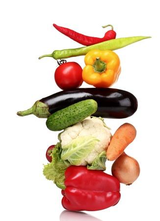 vida saludable: Hortalizas frescas aislados en blanco