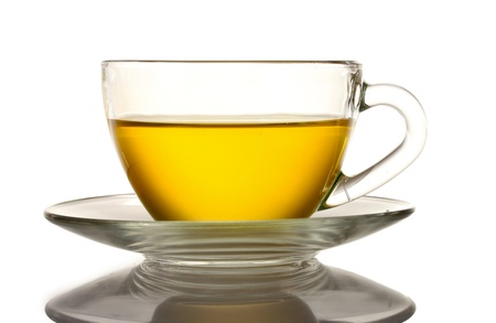 lekker kopje thee op wit wordt geïsoleerd