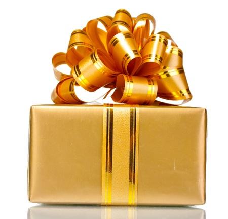 Mooie gouden geschenk op wit wordt geïsoleerd Stockfoto