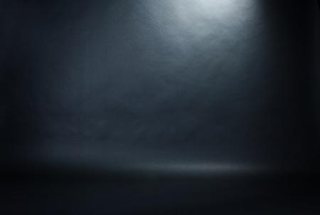 스포트 라이트 스튜디오 인테리어, 검은 배경 스톡 콘텐츠