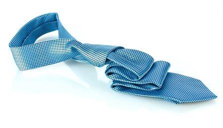 stropdas: Blauwe stropdas op wit wordt geïsoleerd