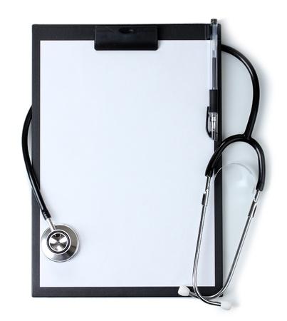 portapapeles: estetoscopio y el portapapeles negro aislado en blanco