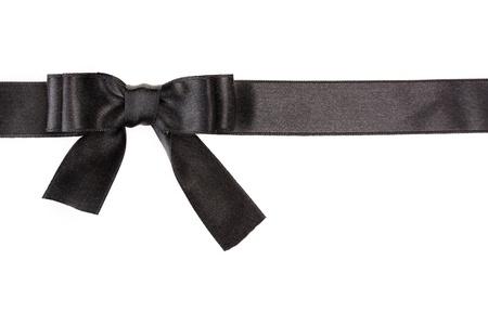 ruban noir: papillon noir sur ruban isol� sur blanc