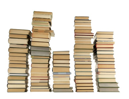 pile of books: vecchi libri isolato su bianco