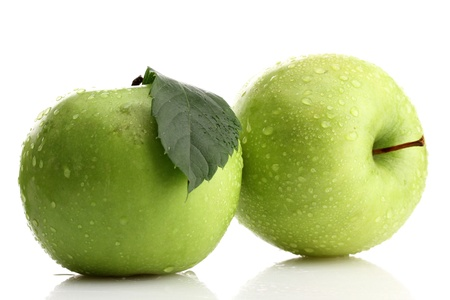 wet leaf: Ripe green apples isolated on white