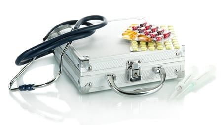 first aid box: Caja de primeros auxilios, aislado en blanco Foto de archivo