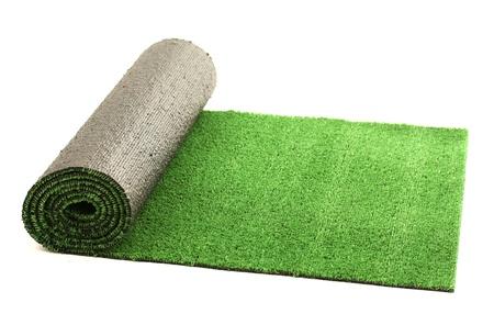 깔개: 화이트에 격리 인공 압연 녹색 잔디,