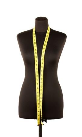 mannequin: vuoto manichino nero con nastro di misura isolato su bianco