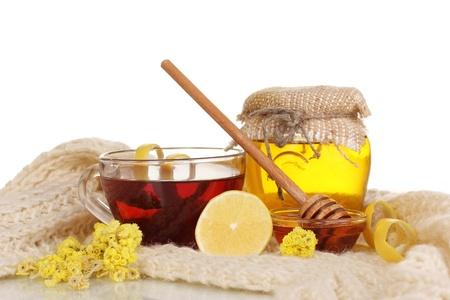 укрепление: Здоровые ингредиенты для укрепления иммунитета на теплый шарф, изолированных на белом