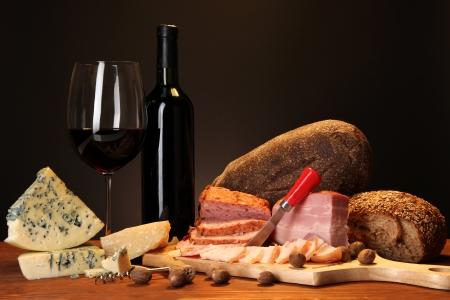 Exquisite encore de vie des produits du vin, du fromage et de la viande Banque d'images
