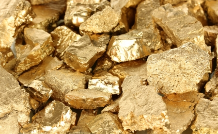 ore: Golden nuggets close-up