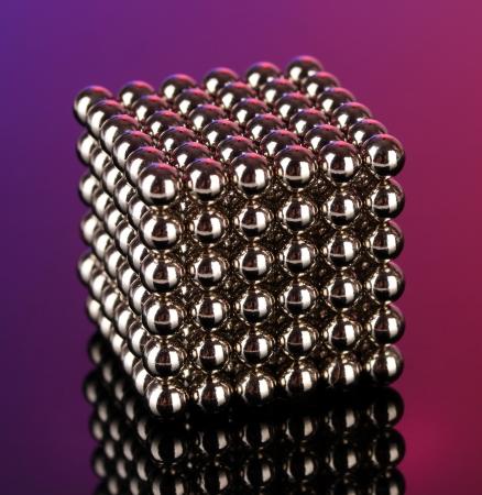 Neocube (jouet) sur fond clair