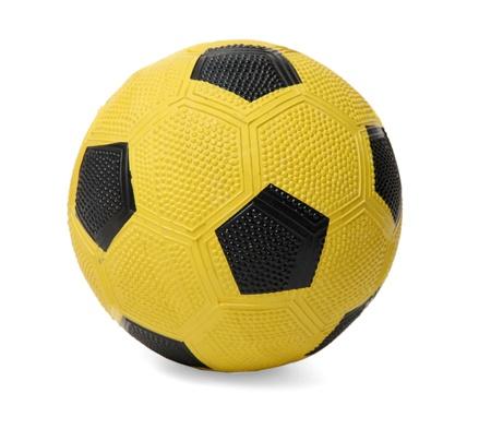 futbol infantil: Bal?n de f?tbol amarillo de los ni?os, aislados en blanco