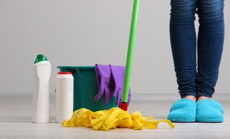 clean home: Reinigen vloer in close-up