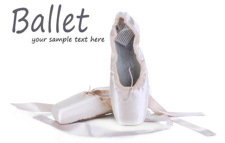 Zapatillas de punta de ballet aislados en blanco Foto de archivo - 27979409
