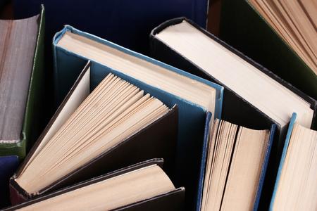 paperback: Cartonato e brossura libri colorati, close-up