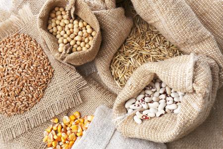 Céréales dans des sacs