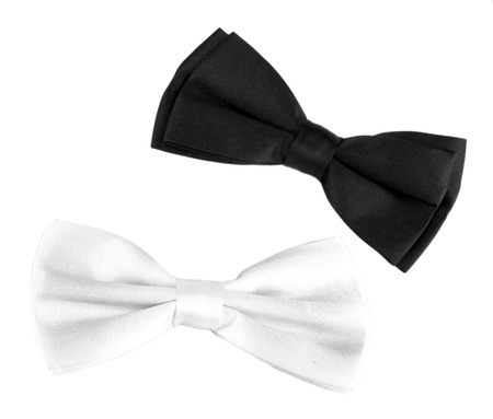 mo�o blanco: Blanco y negro corbata de lazo aislado en blanco Foto de archivo