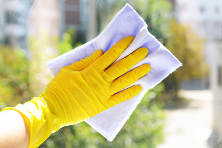 window washer: Cleaning windows with special rag
