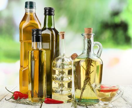 Diferentes tipos de aceite de cocina, primer plano Foto de archivo - 35235802