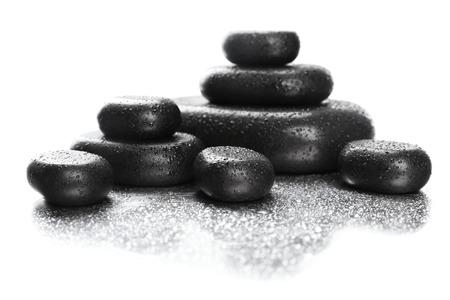 Spa pierres avec des gouttes sur fond clair Banque d'images - 42493471
