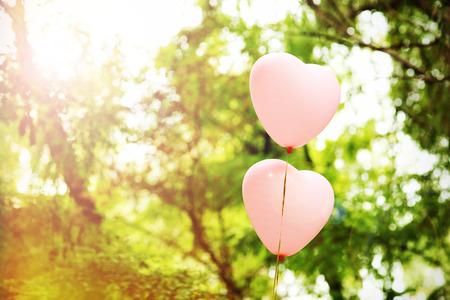 愛ハートの風船、屋外