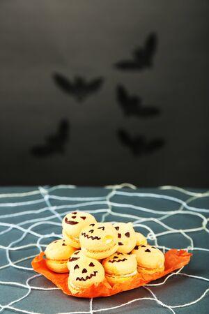 spiderweb: Tasty Halloween macaroons decorative spiderweb