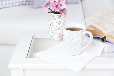 Apartment interior and decor in gentle tones 스톡 콘텐츠