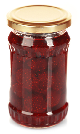 Jar of strawberry jam isolated on white Stockfoto