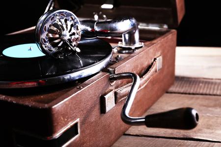 Gramophone with vinyl record, closeup Stockfoto