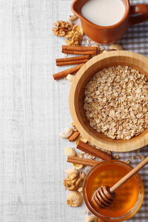 Healthy breakfast with bread, honey, nuts. Country breakfast concept Banque d'images