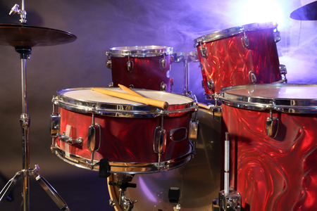 Drums set and sticks, close-up Banque d'images