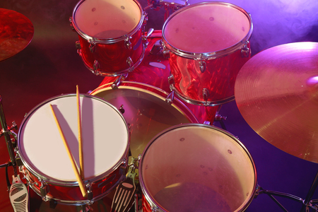 Drums set and sticks, close-up Stockfoto - 103122677